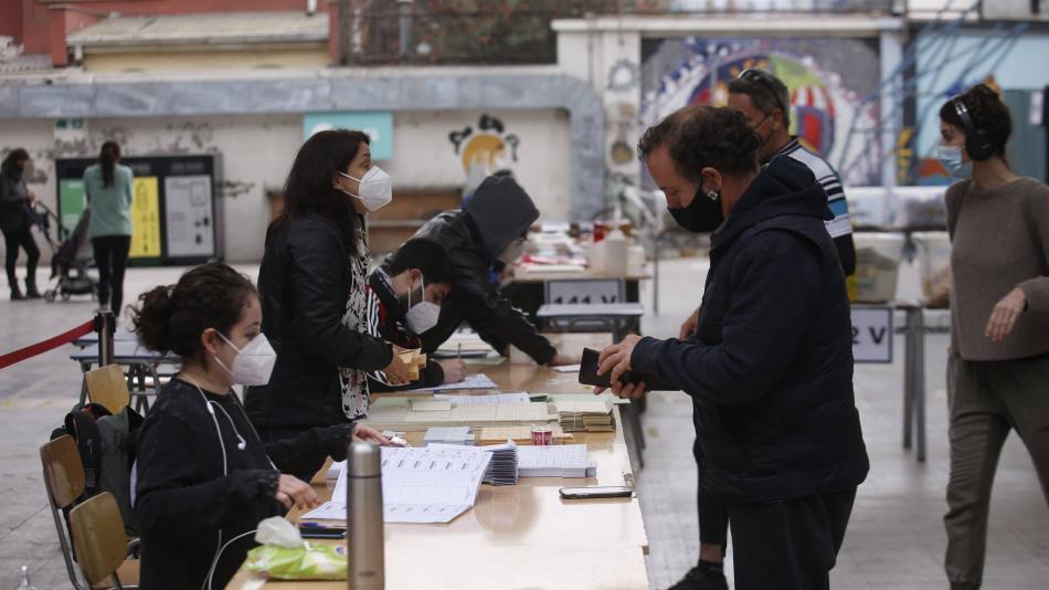 انتخابات رأی دهندگان در شیلی با مشارکت 43 درصدی – آمریکای لاتین – بین المللی به پایان رسید